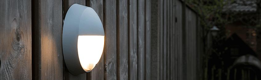 Buitenlamp met schemersensor