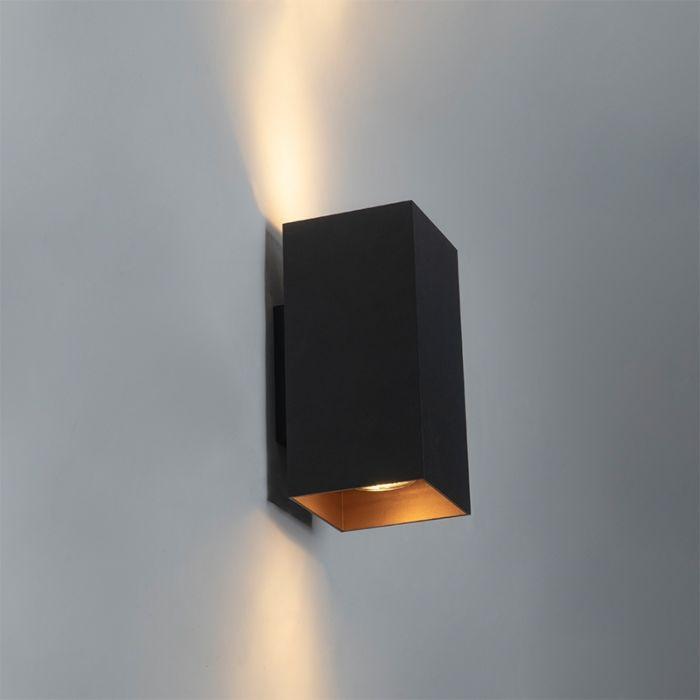 Design-vierkante-wandlamp-zwart-met-gouden-binnenkant---Sab