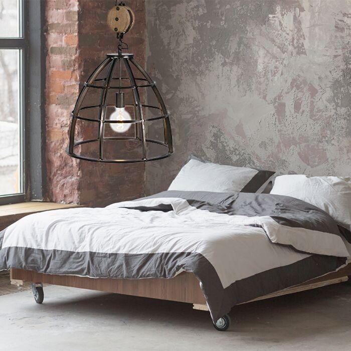 Slaapkamer-Hanglamp-Industrieel,-zwart,-stoer-en-sfeervol