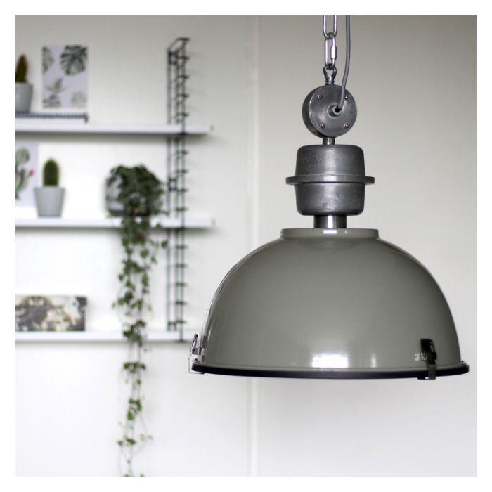 Industriële-hanglamp-groen-grijs-met-staal---Gospodin