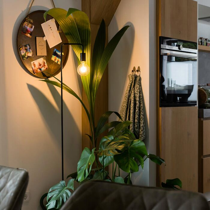 Moderne-zwarte-vloerlamp---Facil